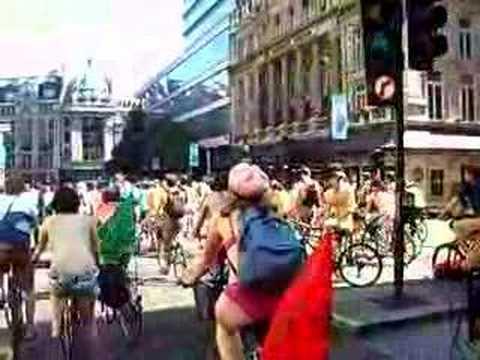 London Naked Bike Ride (& Skate) toward trafalgar square