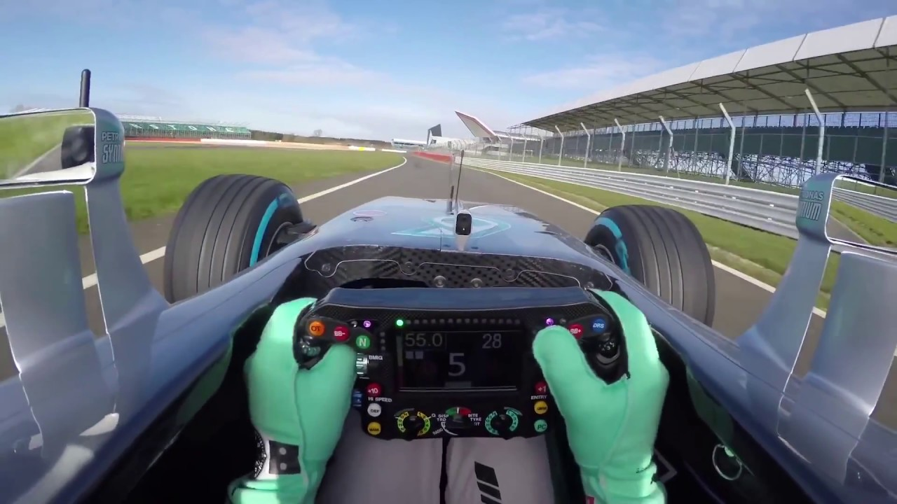 F1 2018 Comparison Between Halo Shield And Nothing In Driver S View