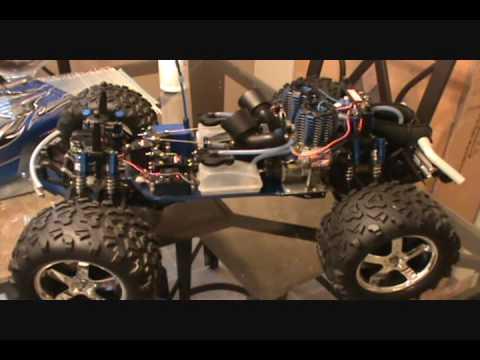 Twin Engine T-Maxx - YouTube