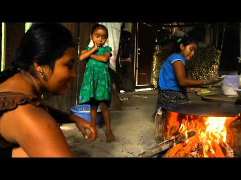 Born to Explore in Belize learns about Mayan corn tortillas