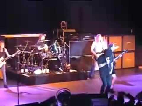 AC/DC - Stiff Upper Lip - Live