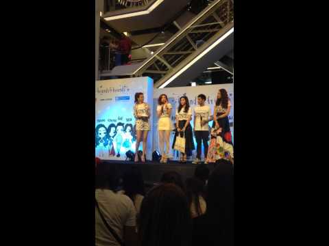 20141222 Cris Horwang-Talk Friends For Friends @ Siam Center