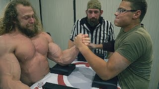 BODYBUILDER VS SCHOOLBOY  ARM WRESTLING