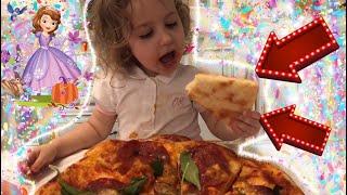 пицца детииграют детиготовят Готовим сами супер пиццу с Мишель