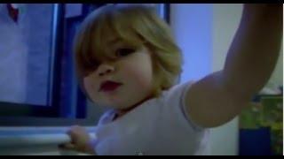 Child Swallows Small Lightbulb - Bizarre ER