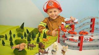 ПОЖАРНЫЕ МАШИНКИ и Пожарный Даник спасают лесных животных Wenno. Видео для детей