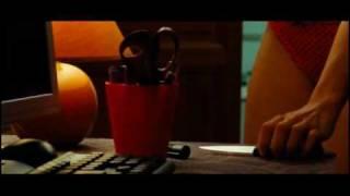Catherine Deneuve - La fille du RER (Bande-Annonce)
