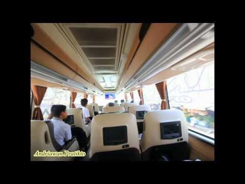Menikmati Fasilitas Karaoke di bus Pandawa87 Scania SHD