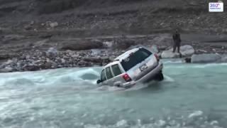 Вода в салоне автомобиля - улетел в воду на машине, гидроудар