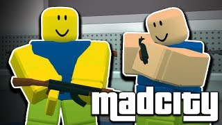 2 The Mad NOOBAS are STEALING the BANK in ROBLOX! 😂😱 Rob Mad City Roleplay w/Bozi