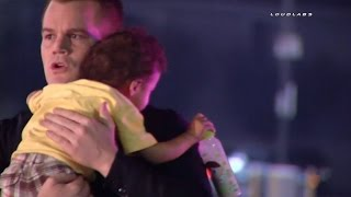 Watch Police Officer Comfort Baby After His Mom Left Him at Crash Scene