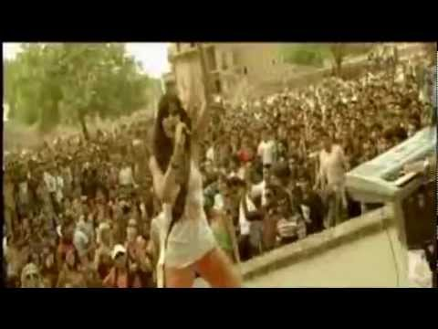 Dhunki laage -HD -full song video .- Mere brother ki Dhulhan -