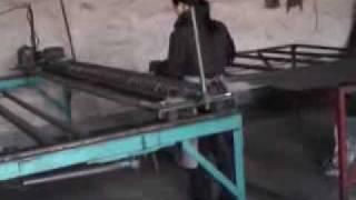 Процесс сварки сетки на полуавтомате(видео с процессом сварки сетки на полуавтомате., 2009-11-02T08:44:20.000Z)