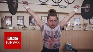 Ukraine: From teenage mum to a European Weightlifting champion - BBC News