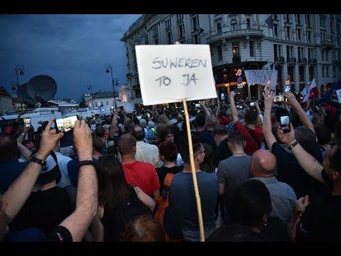 87. miesięcznica smoleńska: kontrmanifestanci wycofali się z blokady