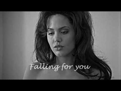 Falling for you Gia&Linda Angelina Jolie & Elizabeth Mitchell