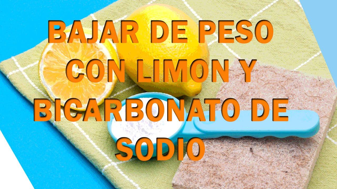 Agua con bicarbonato y limon para bajar de peso