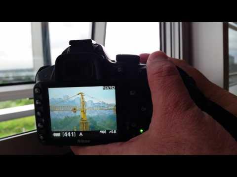 Nikon AF-S DX Nikkor 55-300mm f/4.5-5.6G ED VR & Nikon D3200