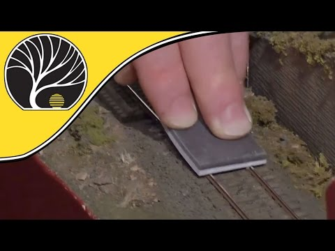 Rail Pal – Model Railroad Track Cleaning Tool | Woodland Scenics