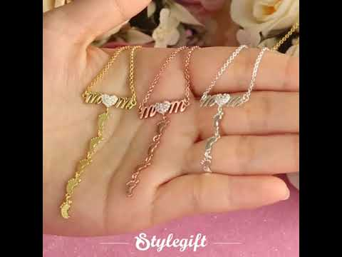 mother's-day-gift-diamond-mom-necklace-with-name-baby-feet