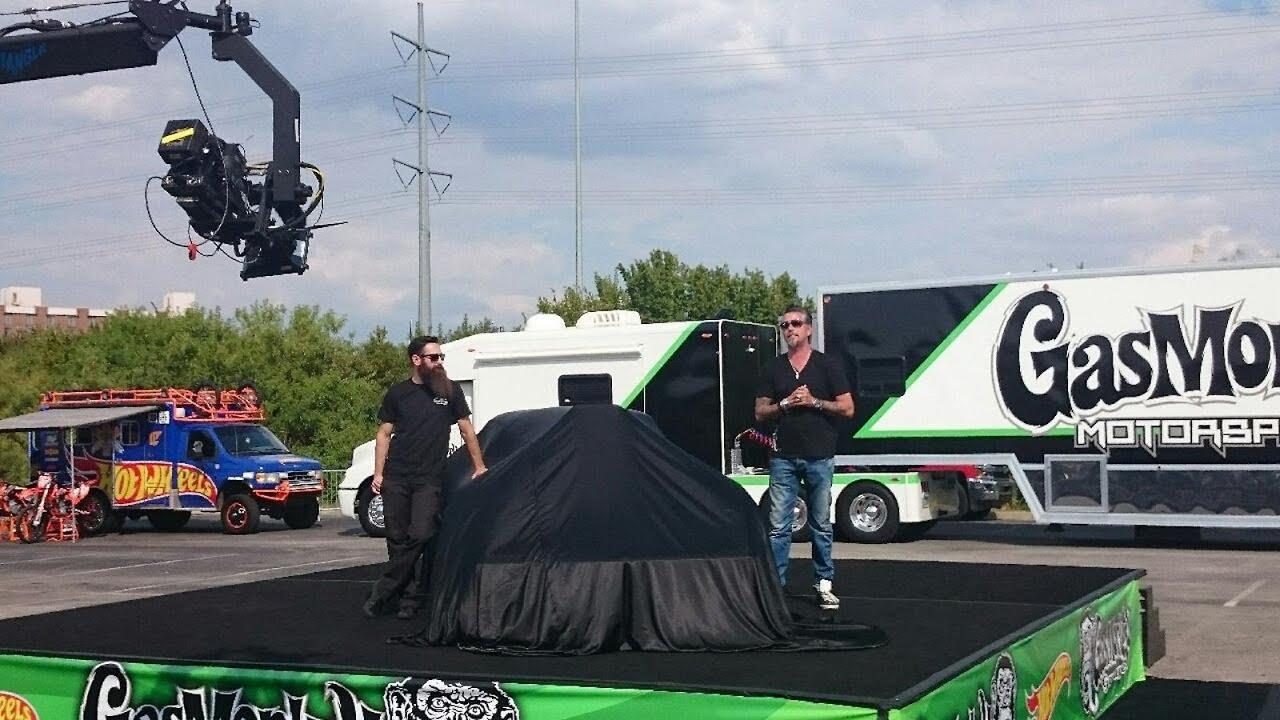 Gas Monkey Garage 2015 – Hot Wheels C3 Corvette Reveal