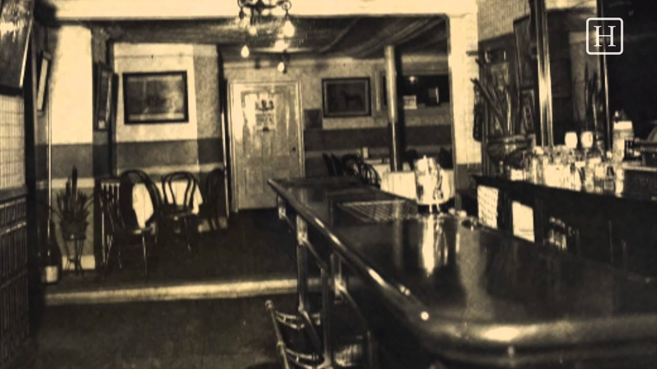 The Fight To Be Oldest Bar In New York City