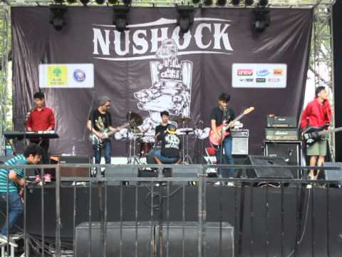 Hello ! Ice Cream Berry - Leaving  ''Radio Feelings'' ( Nushock Stage Jakcloth Summer Fest 2013 )