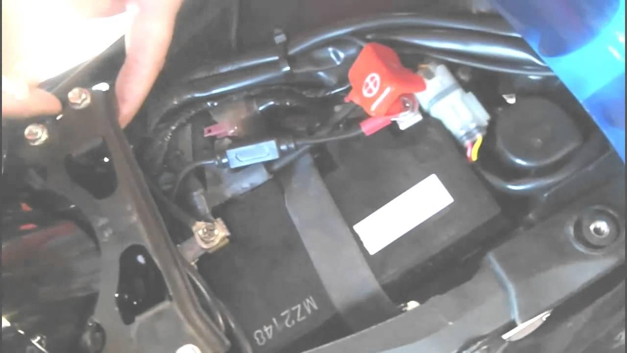 2014 Maserati Quattroporte >> Battery Tender install - YouTube