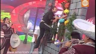 Esto es Guerra: Nicola sorprende a Angie con Mariachis - 19/09/2012