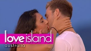 'Dare you to give Josh a better kiss' | Love Island Australia 2018