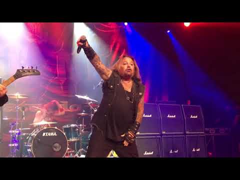 Lee Callahan - Solo Vince Neil Does The Crue In Ridgefield, WA