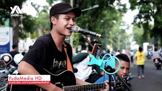 Video Penantian - Armada (Cover Pengamen Jalanan Malang Galau) download MP3, 3GP, MP4, WEBM, AVI, FLV Maret 2018