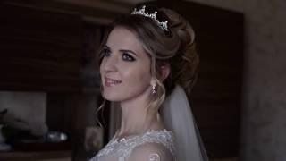 Высокий воздушный пучок и свадебный макияж. Невеста 2017, стилист Юлия Придиус. Симферополь, Крым