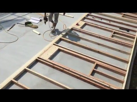 2×4(ツーバイフォー)工法 壁パネル製作から壁パネルが起き上がるまで