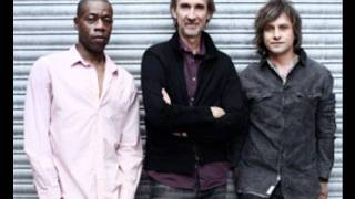Mike & The Mechanics - The Road [live]