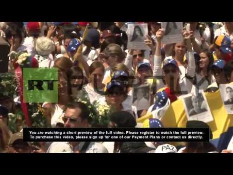 Venezuela: Thousands of women in white protest violence