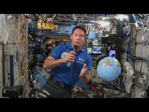 كيف يمضي رائد الفضاء توما بيسكيه يومياته بعد أسبوع على وصوله إلى المحطة الدولية؟