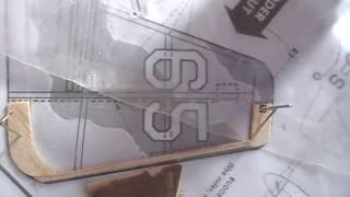 كيفية إنشاء عمل الدفة في guillows P-51 mustang (بالسا)
