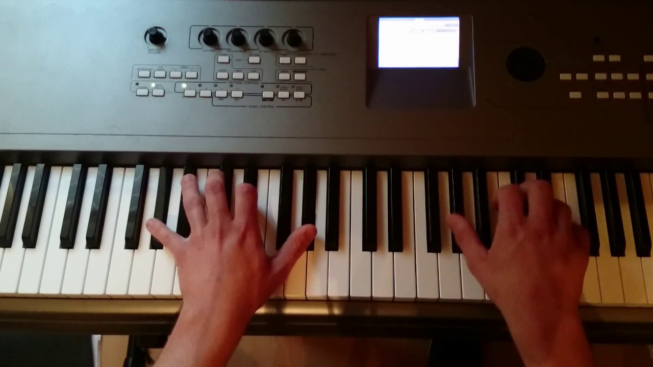 Sia Chandelier cover piano with chords by Julien Hatton