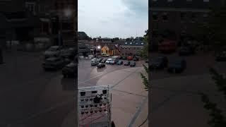 Vrijdagavond, half tien op het Marktplein in Winschoten, Waterbei