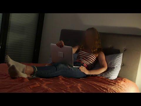 Les Françaises au lit - Des femmes racontent leur découverte de la masturbation from YouTube · Duration:  17 minutes 58 seconds
