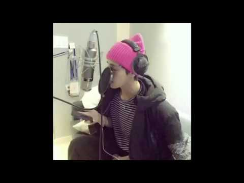 """BTS 방탄소년단 V Taehyung - """"Have Yourself A Merry Little Christmas"""" (Short Cover)"""