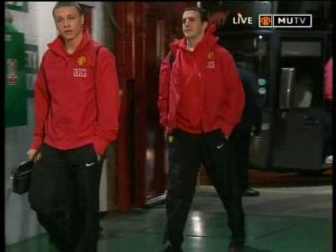 Manchester United Players Getting Off The Bus