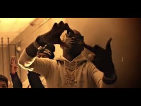 """Young Thug """"Learns How To Blood Walk By Real Piru Gang Member Backstage"""""""