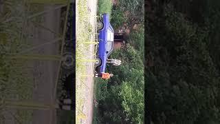 Детки громят машину ради развлечения в Новокузнецке.