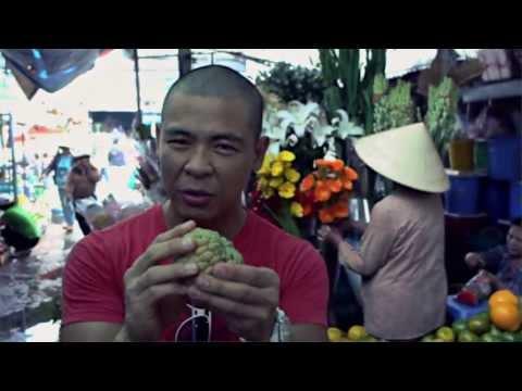 Living on $1,000 a Month Mui Ne Vietnam: Strange Exotic Asian tropical fruits! Exploring the market!