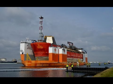 Transport FPSO Armada Intrepid onboard the Dockwise Vanguard