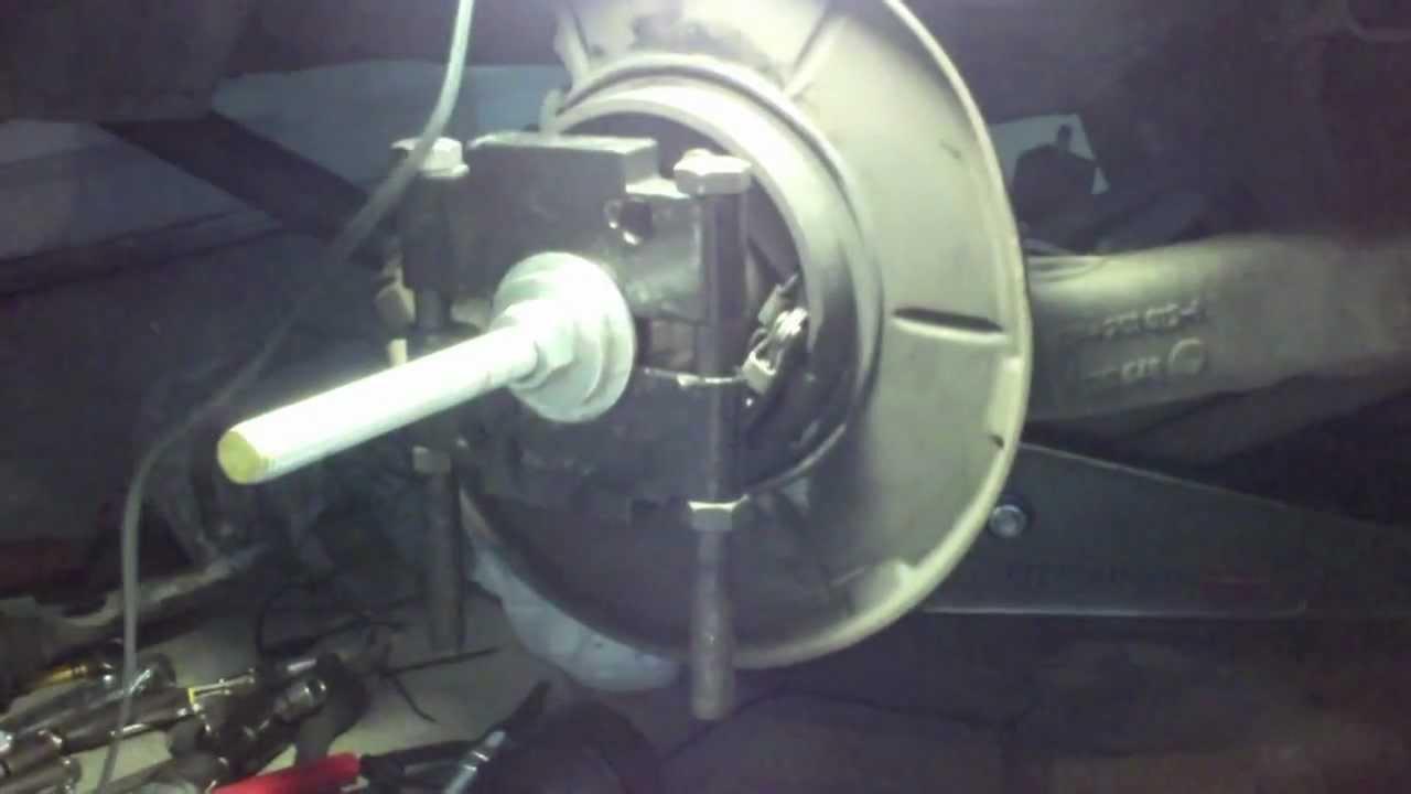 1997 328is Rear Hub Bearing Install Using Allthread Old