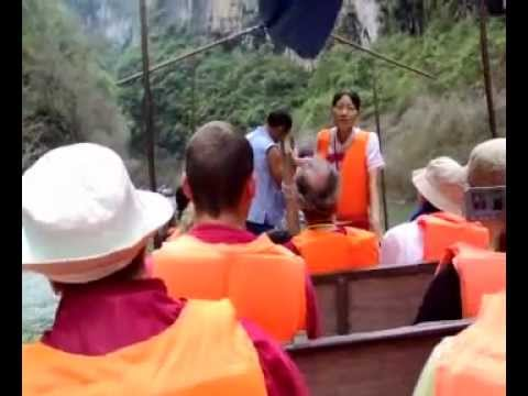 Yangtze River - Shannon Stream - Local Music Duet of Guide & Canoe Man - China