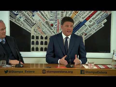 Matteo Renzi all'Associazione Stampa Estera a Roma